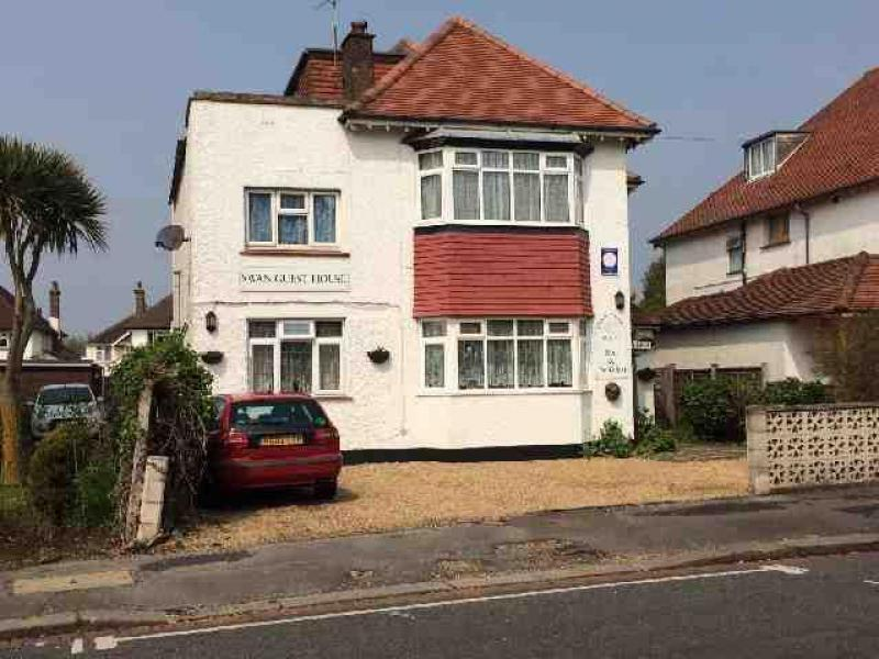 Leisure to buy swan guest house nyewood lane bognor for Buy guest house